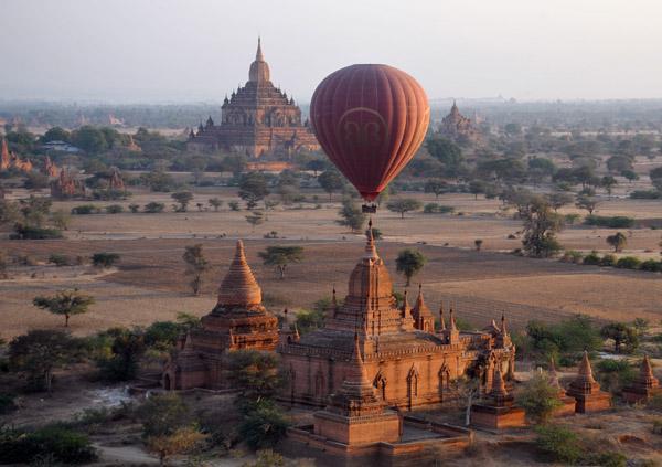 Globo sobre Bagan, Myanmar
