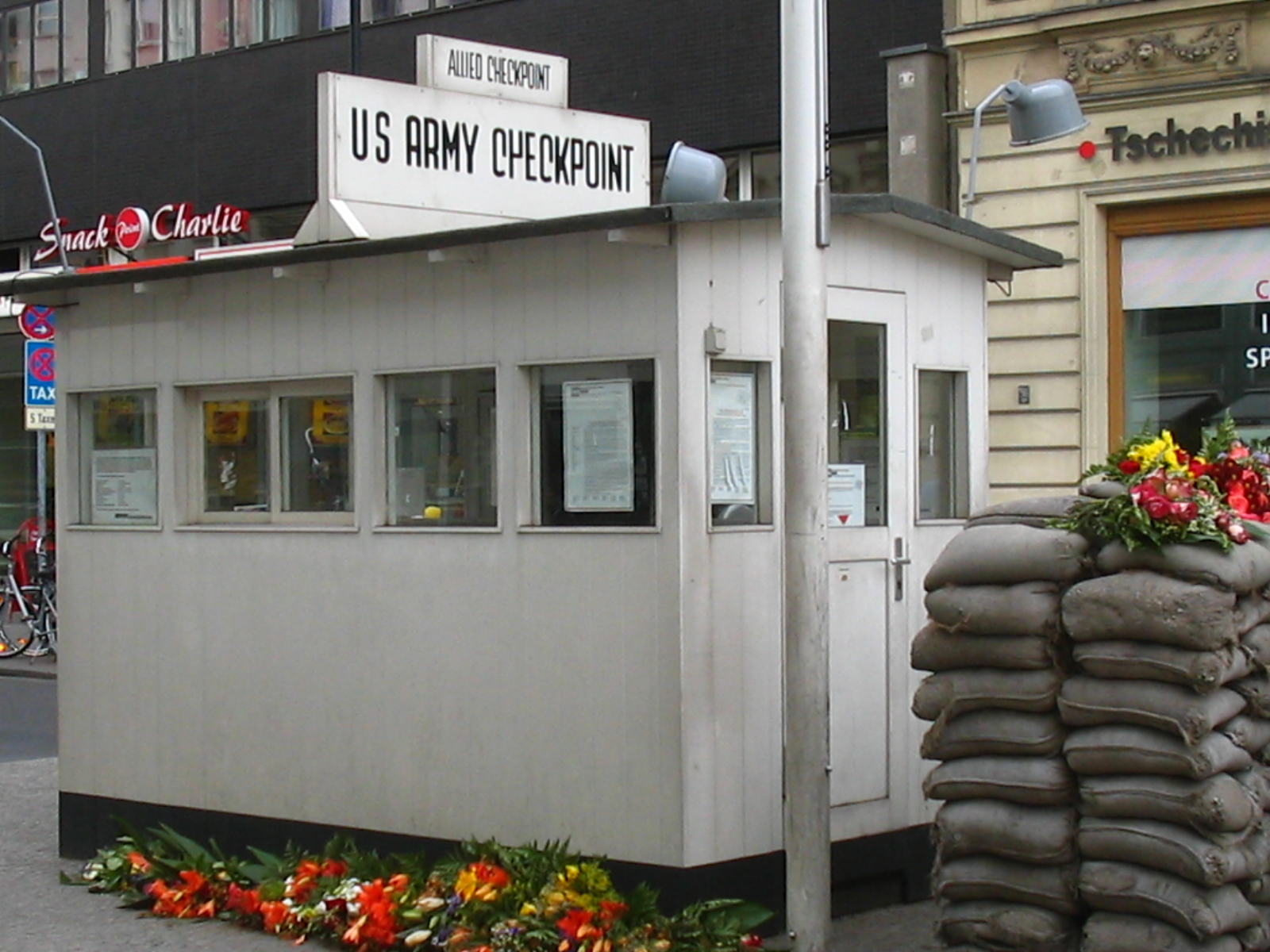 Check Point Charlie, Berlin